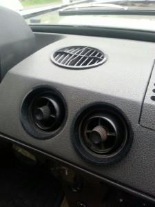Extra ventilatieroosters voor het rijden in warme landen