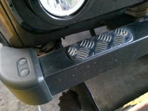 Opstap antislip platen monteren bovenop voorbumper