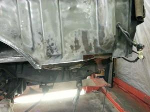 Vervangen van linker achter binnenscherm paneel / werkzaamheden aan Range Rover Classic 1994
