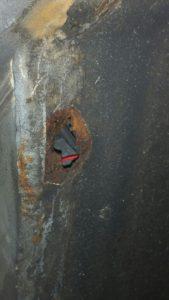 Las & reparatie werkzaamheden wielkasten links en rechtsvoor Range Rover Classic - www.landroveronderhoud.nl