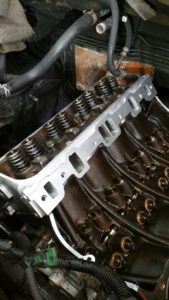 Range Rover V8 4,6 Liter - Cilinder koppakkingen vervangen .  Tel: 0344 - 662800